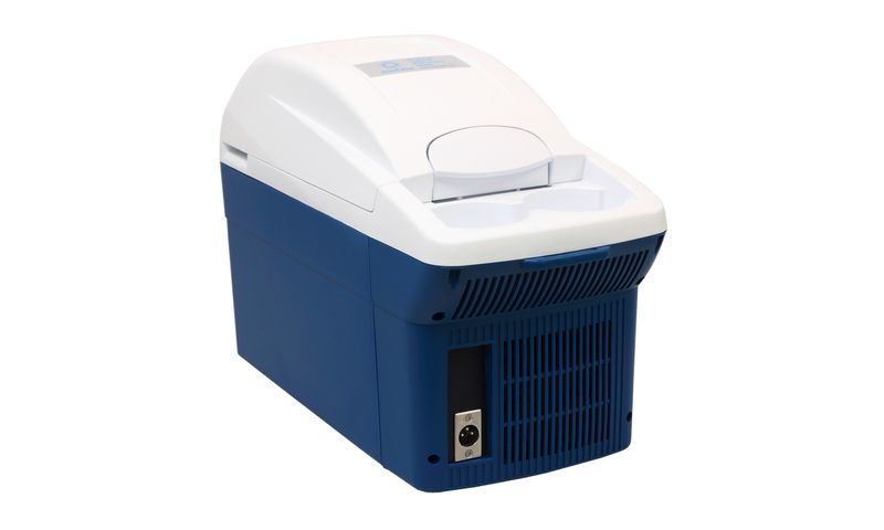 Air conditioned box for boar semen, 8 l, +17°C